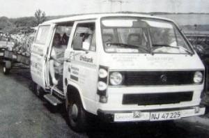 Den hvide klubbus sælges